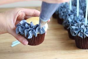 6月の季節の特別メニュー~あじさいカップケーキを作ろう~のイメージ