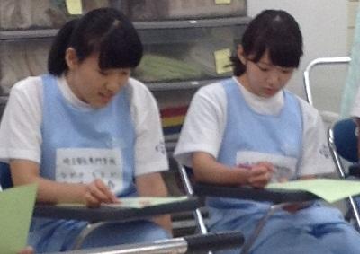 試験前の学生たち