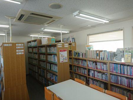 8 図書室